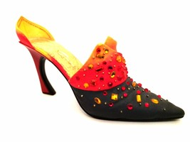 Raine Just The Right Shoe Passions Flame 25152 Miniature Retired 2001 - $34.60