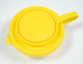 PLAYSKOOK YELLOW & CLEAR COVERED FEEDING DISH OR SNACK CONTAINER MICROWA... - $5.93