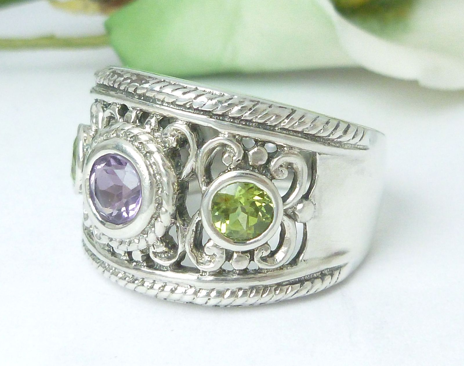 Sterling Amethyst and Peridot Band Gemstone Ring Size 7