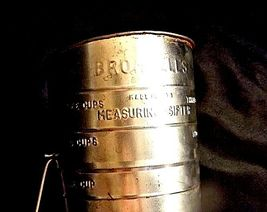Bromwell's No. 39 3-Cup Measuring Sifter AA18 - 1185 Vintage image 4
