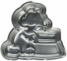 Wilton Garfield  Cake Pan 2105-2447, 1981 - $14.14
