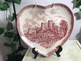 Johnson Brothers Heart Shaped Dudley Castle in 1792 Plate - $18.95