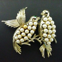 Gold Tone Faux Pearl Bird Pair Brooch Jewlery Vintage - $11.36