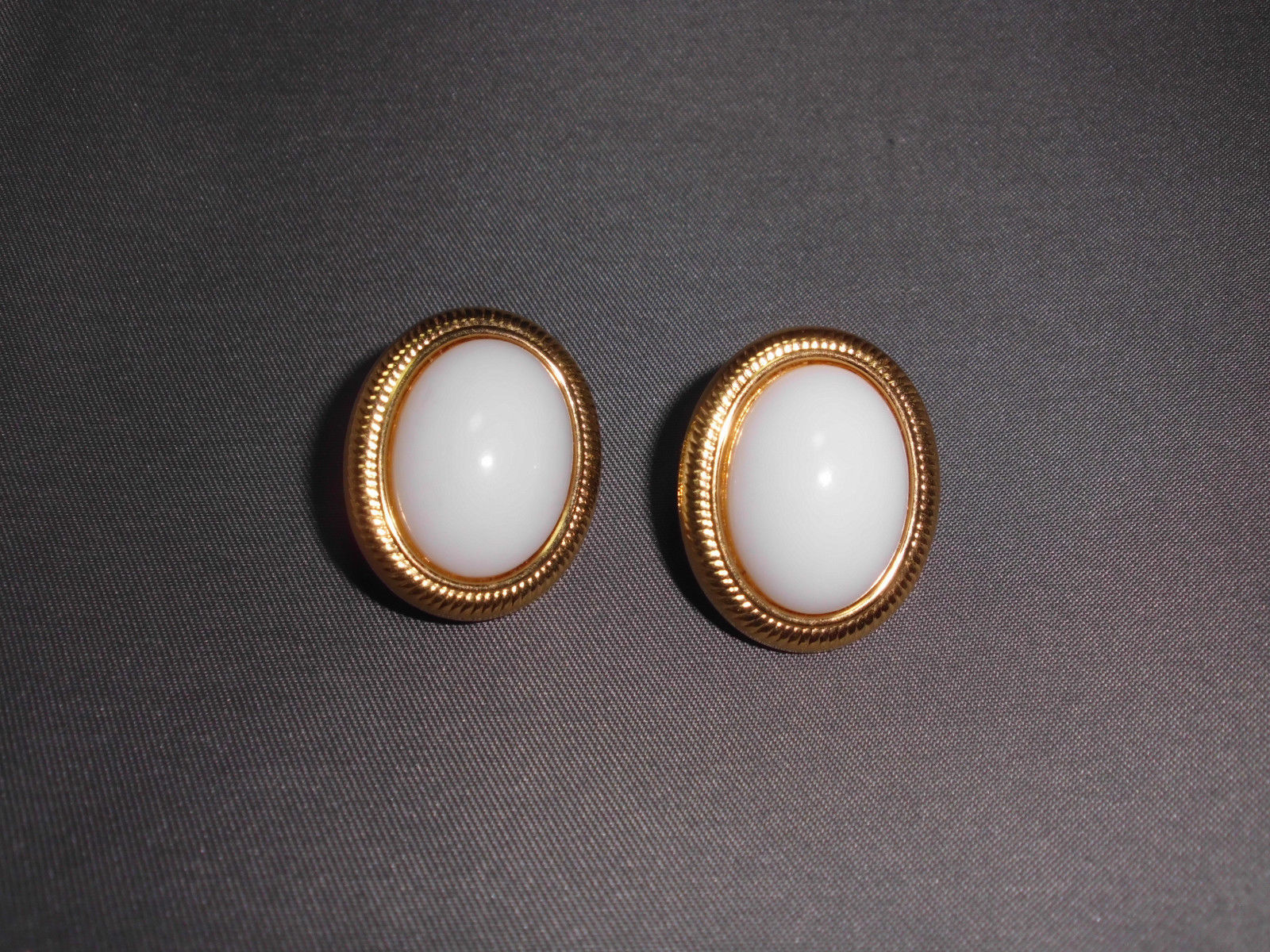 VTG Napier Signed Faux Pearl Gold Tone Toned Vintage Earrings