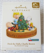 Hallmark Peanuts Gang Deck The Halls Charlie Brown w/Light & Sound 2006 ... - $25.95
