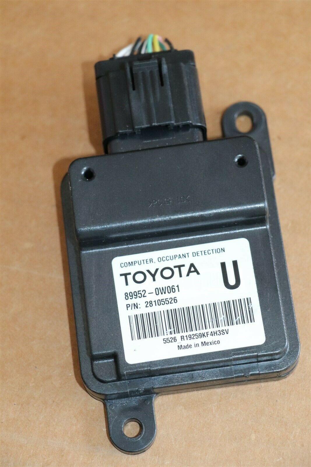 Lexus Toyota Occupant Detection Sensor Module Computer 89952-0w061