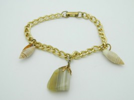 Beige Striated Agate Stone Shell Charm Bracelet Gold Tone Vintage - $19.79