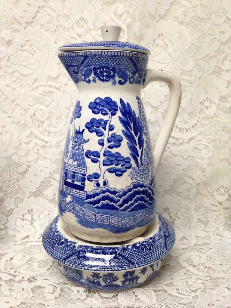 Primary image for Vintage, Rare, Made in Japan, 10inx5in Blue Willow Carafe with Warmer 3inx5in