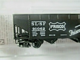 Micro-Trains # 05500610 Frisco 33' Twin Bay Hopper, Offset Sides No Load N-Scale image 2