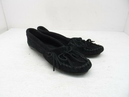 Minnetonka Women's 400 Kilty Hardsole Moccasin Black Suede Size 6.5M - $28.49