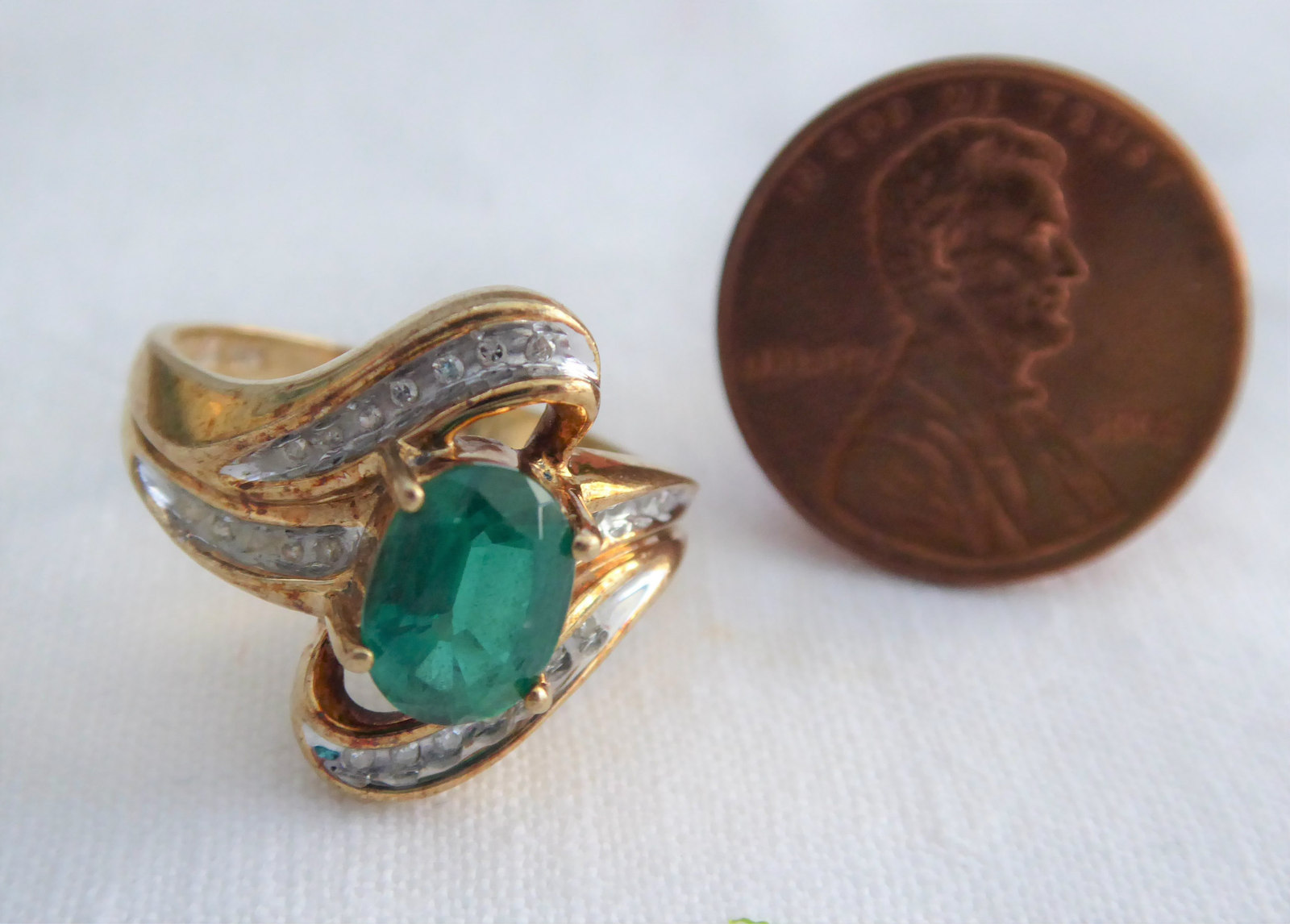 Primary image for 10k Gold Faux Emerald Diamonds Dinner Ring Size 7 Modern Swirl Oval Green 1960s