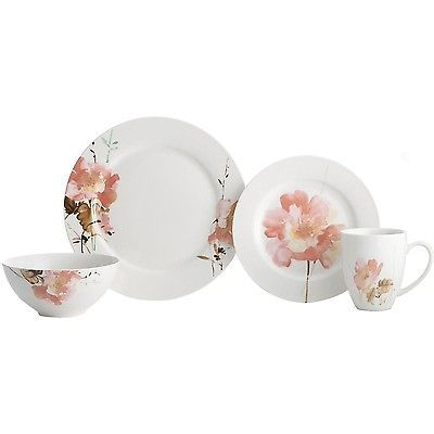Flowered Dish Set 16 Piece Floral Amore by Oneida    NEW