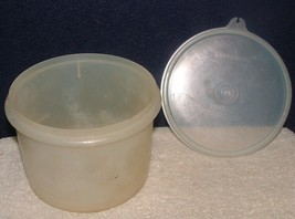 VTG TUPPERWARE 263 Sheer Econo Canister Smooth Surface 238  Seal - $3.95
