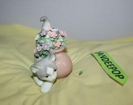 Lladro Secret Spot Cat Figurine With Flowers 1998 Daisa Spain 6566 Retired - $69.29