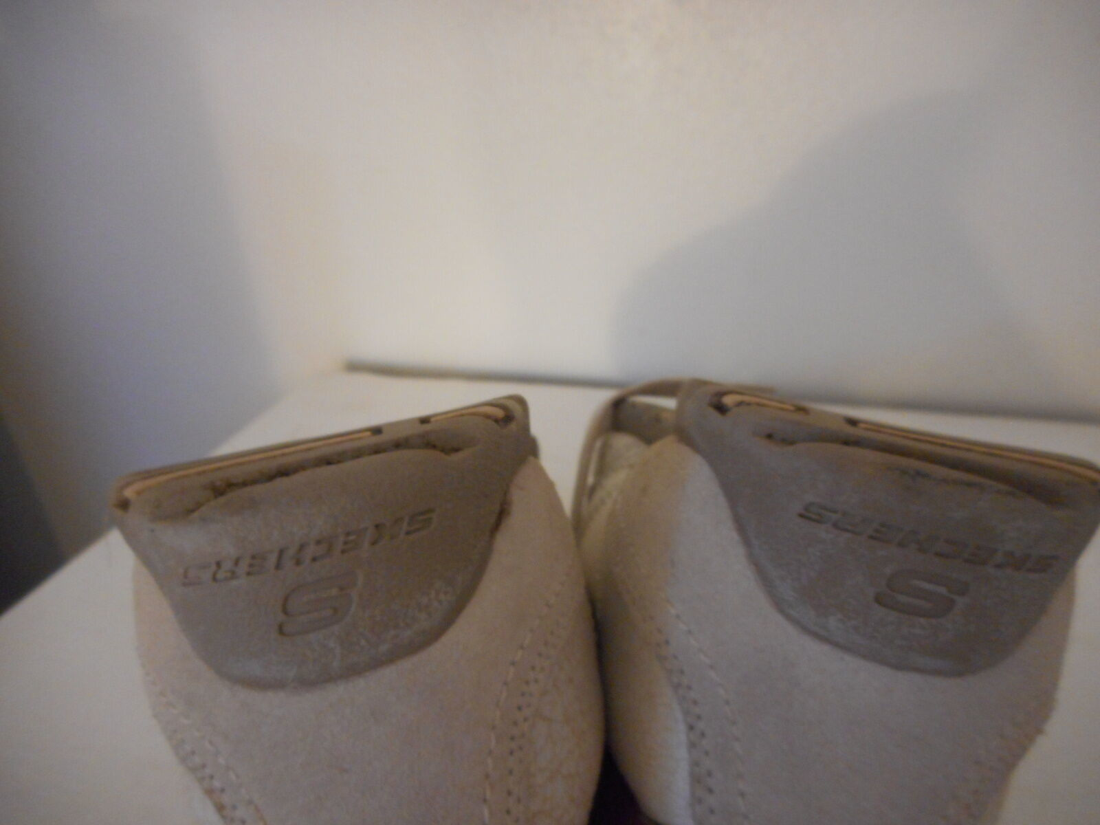 Skechers Sz 9 Womens Beige Athletic Shoes Sneakers Leather upper lace up image 8
