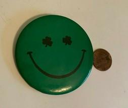 Botón Pin San Patricio Vintage Trébol Ojos Smiley Cara Irlandés Día Vaca... - $5.04