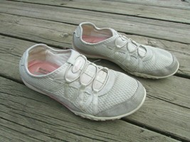 Skechers Relaxed Fit Beige Suede Pink Sneakers Memory Foam Size 7 (37) Used - $9.80