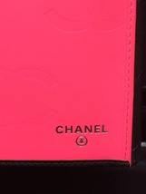 AUTHENTIC CHANEL Rue Cambon Black Hot Pink Lambskin Bi-Fold Wallet Clutch Bag image 6