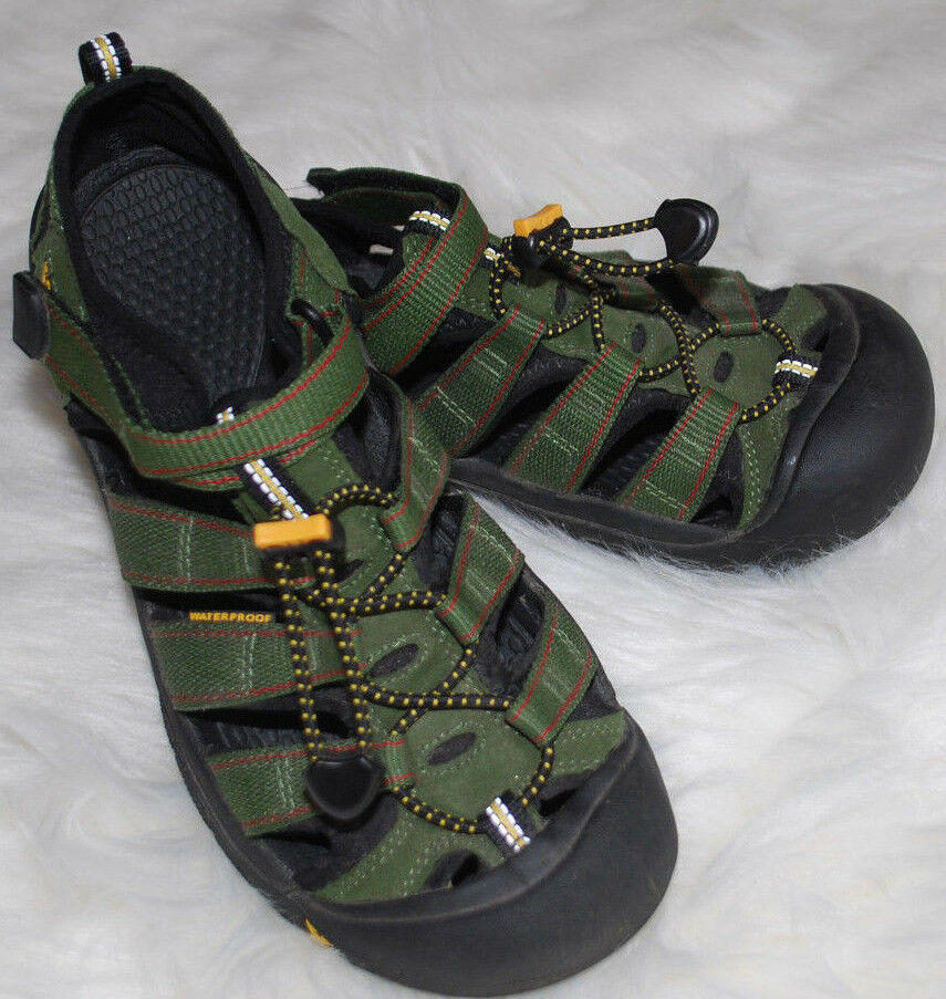 Keen Sandals womens size 6 Waterproof Shoes Army Green Bungee Cord Comfort