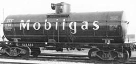 Funaro & Camerlengo HO Mobilgas AC&F AAR Type 2 Tank Car kit 7032 image 2