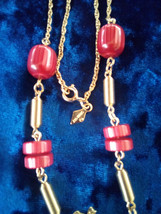 VTG Sarah Coventry Red Bead Goldtone Necklace - $17.82
