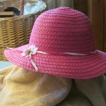 girls hat STRAW PINK w/sm flower & trim (pur/sm/hat) - $5.45