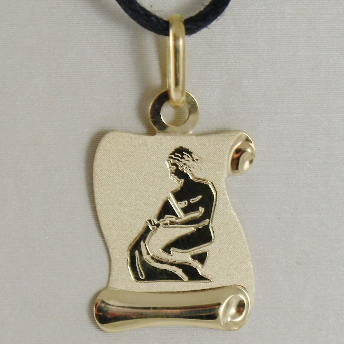18K YELLOW GOLD ZODIAC SIGN MEDAL AQUARIUS PARCHMENT ENGRAVABLE MADE IN ITALY