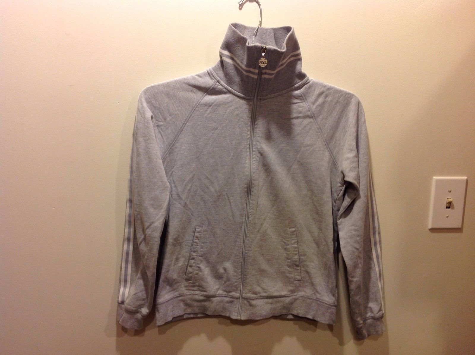 New York Laundry Light Gray Collared Zip Up Tracksuit Sz M