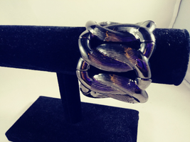 BUY 1 GET 1    Melania TRUMP  oval Gloss Black color -stretch bracelet  ... - $11.88