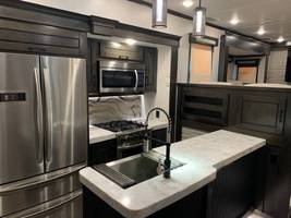 2020 REDWOOD 3951MB FOR SALE IN Spring Branch, TX 78070 image 7