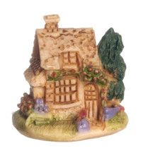Dollhouse Miniature 1/2 Scale Cottage #A4326 - $10.99