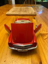 1/18 scale die cast model ANSON Mercedes Benz 280 SL convertible red image 5