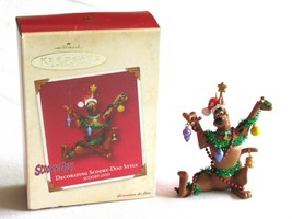 2002 Hallmark Scooby Doo Christmas Ornament Decorating Scooby Style Keep... - $6.99