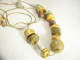 "Chain Necklace Bead STATIONS Gold Plate Green Tan Curb Link 36"" Vintage ... - $14.84"