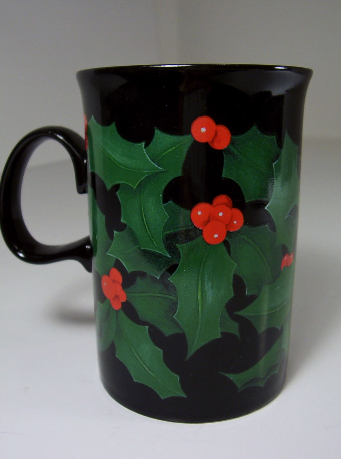 Dunoon Stoneware Mug Cup Holly Design Caroline Bessey Scotland Black Handle