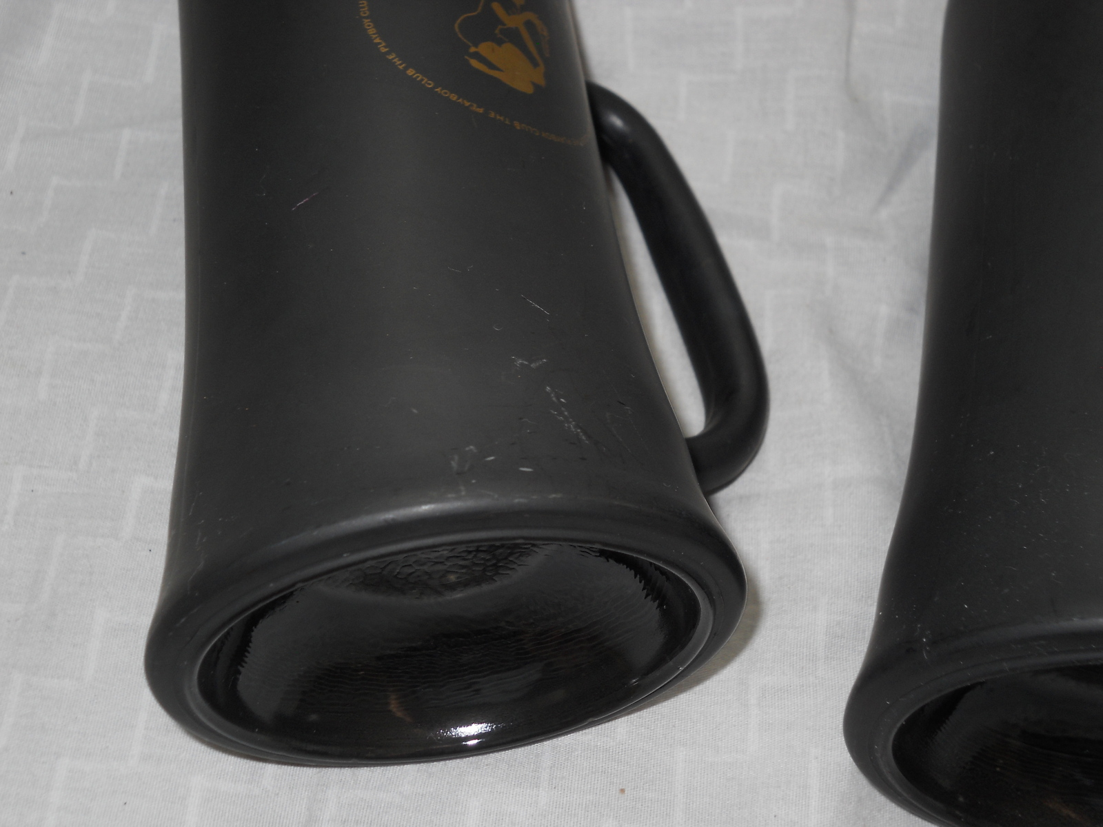 TWO PLAYBOY CLUB BLACK & GOLD FROSTY GLASS COFFEE MUGS, BEER STEIN CUP VTG 60's image 6