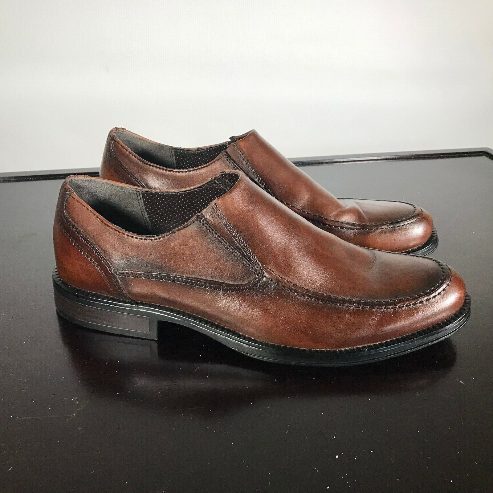 Primary image for CHAPS Sz US 10 M  Brown Leather Apron Toe Slip On  Dress & Casual Men. Nice!