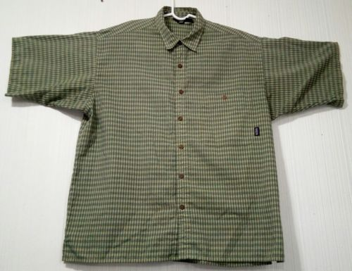 Patagonia Men's Green L short-sleeve button-down checkered Breast Pocket shirt