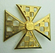 Vintage signed Accessocraft N.Y.C. Pin Brooch  - $18.00