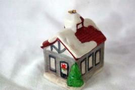 Homco #5555 Brown House With Christmas Decor & Snow Ornament - $2.76
