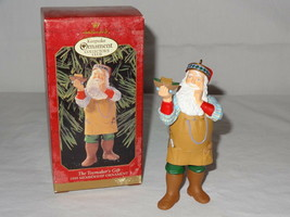 1999 Hallmark Ornaments Toymakers Gift Series Santa Keepsake Collectors Club image 1
