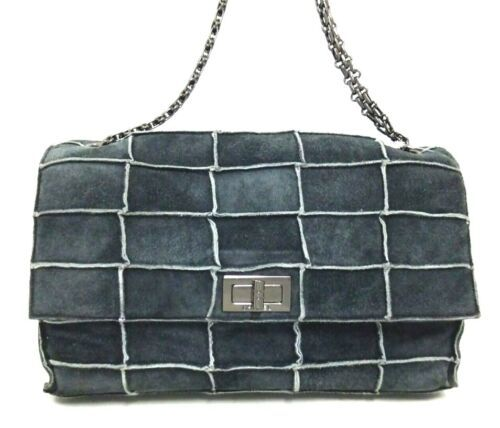 062bd622ba3ae7 12. 12. Previous. Auth CHANEL Shoulder Bag Black Matelasse Chocolate Bar  Flap Logo Quilted B3566. Auth CHANEL Shoulder ...