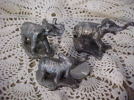 Handcrafted Pewter Miniature Elephants Figurines Family of 3 - Made in USA - $12.50