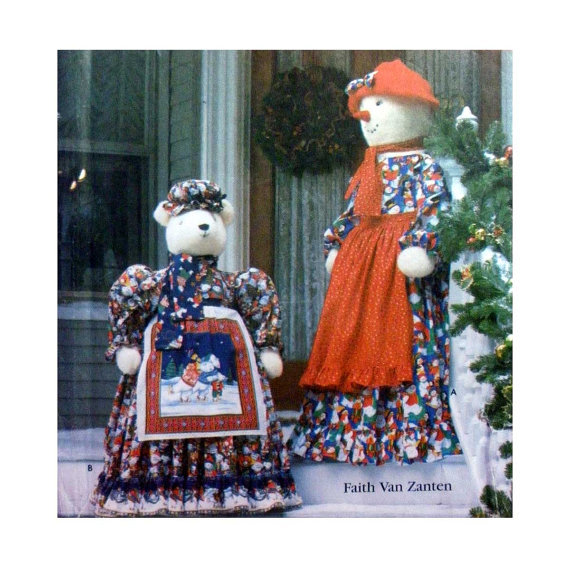 Simplicity 7882 Holiday Door Greeter Dolls with Clothes - Snow Lady & Polar Bear - $2.00