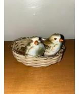 Vintage Birds In A Basket Salt Ad Pepper Shakers - $13.37