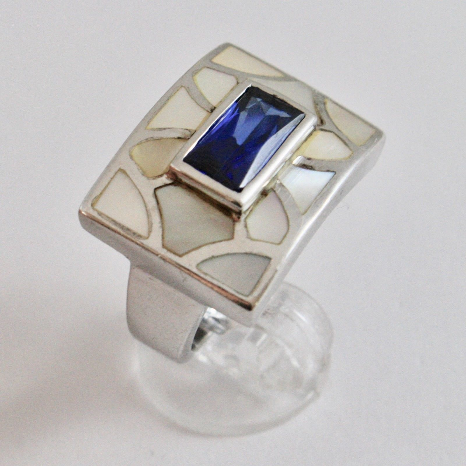 925 SILVER RING RHODIUM WITH NACRE WHITE AND CRYSTAL BLUE RECTANGULAR