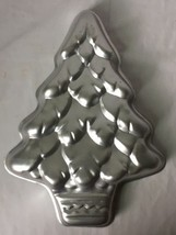 Vintage Wilton Christmas Tree Cake Pan Mold Treeliteful 2105-1107 1972 - $14.95