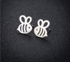 5 pairs of Bee Silver Plated Stud Earring Stud (NED245C) - $12.50