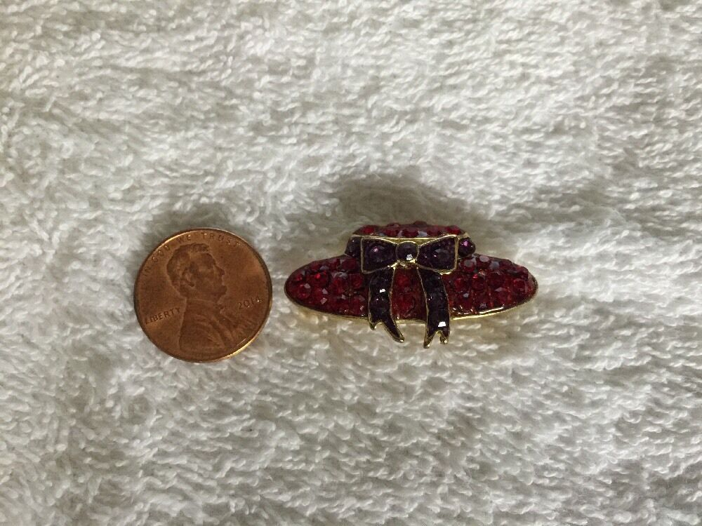Vintage Red Hat Society Glass & Metal Lapel Brooch Pin image 3