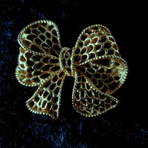 Vintage Napier Bow Brooch Pin Gold Tone Signed Openwork - $19.99